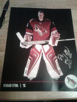 Arizona coyotes Antti Raanta Autograph Fan Package See Photo